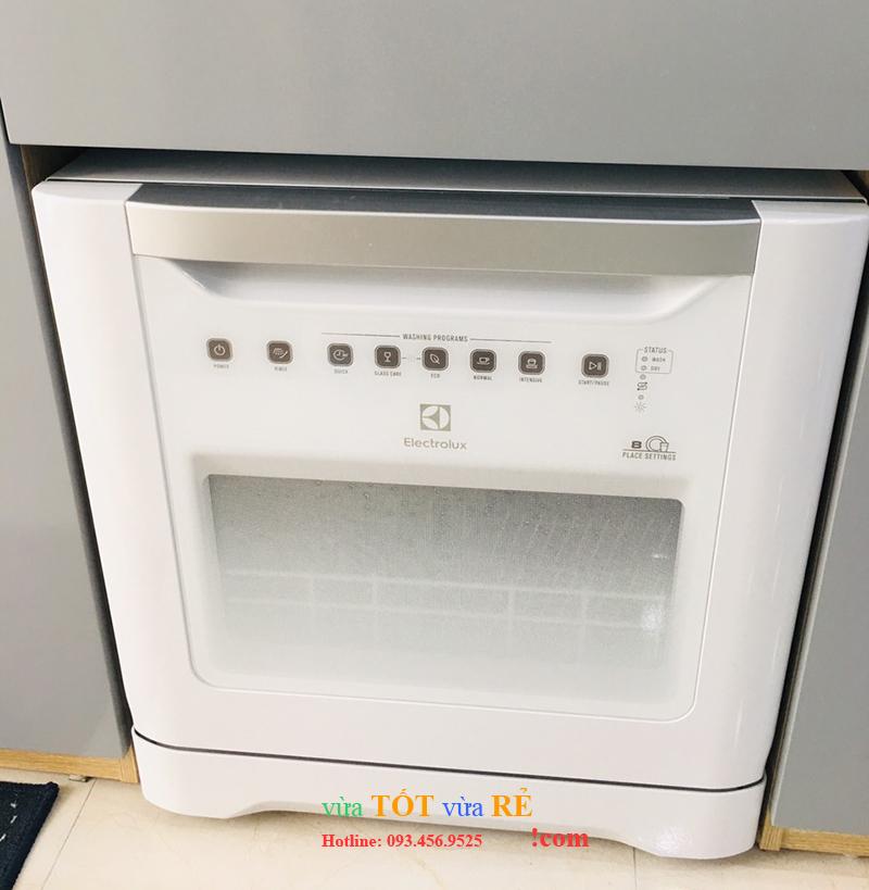 Máy rửa bát 8 bộ Electrolux Thụy Điển ESF6010BW (https://vuatotvuare.com - 09.3456.9525)